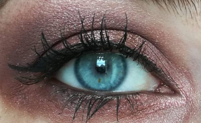Makeup ABH4