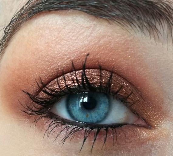 makeup topaz