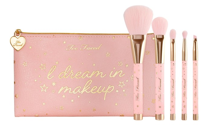 Pinceaux de noel too faced.jpg