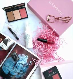 La box beauté Lookfantastic du mois de février, ça sent la Saint Valentin!