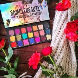 Palette Jewel Toned de Sample Beauty, une pigmentation ultra intense